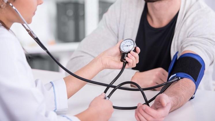 hogyan lehet meghatározni a magas vérnyomást