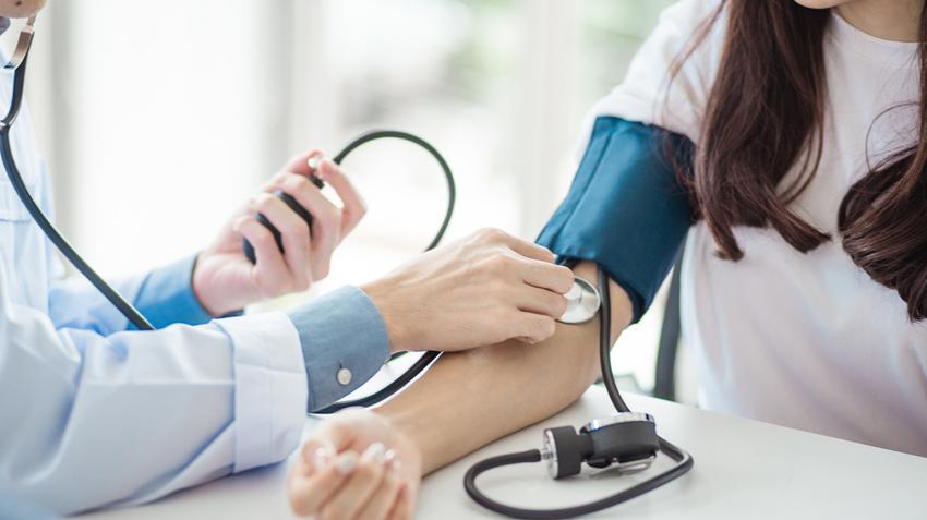 masszázs technikák magas vérnyomás esetén