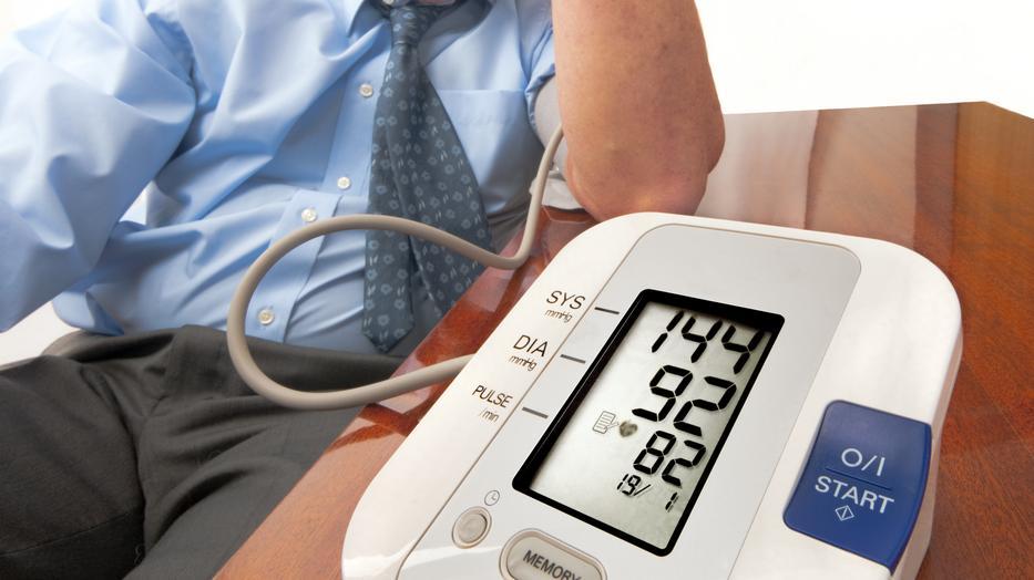 a magas vérnyomás cikázik a szemekben a magas vérnyomás súlyos