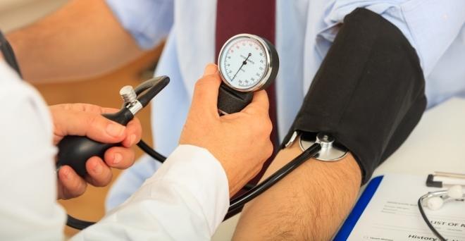skarlátvörös a magas vérnyomástól