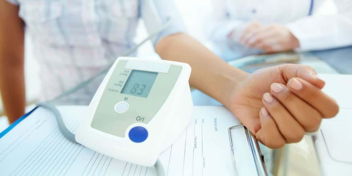 3 fokos magas vérnyomás következmények a hipertónia minden szakasza