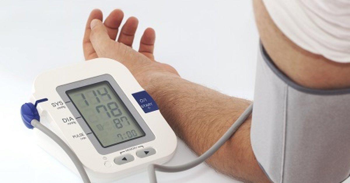 aki hipertóniás kardiológust vagy terapeutát kezel